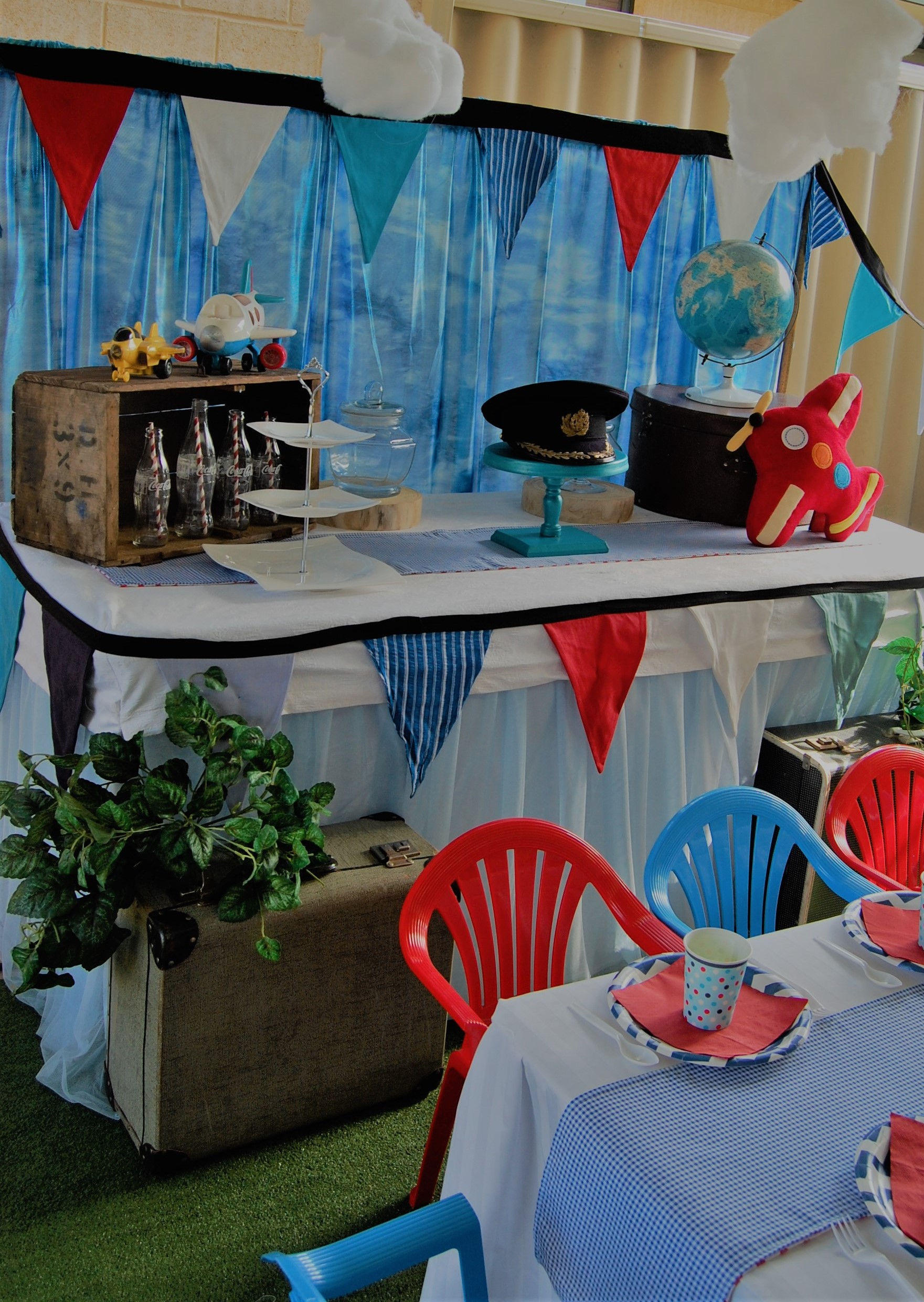 Aviation Table Setting - Wish Upon a Party