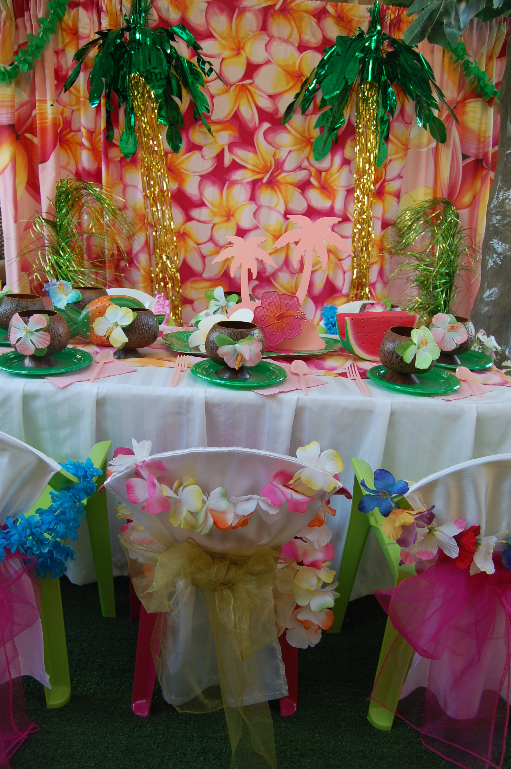 Hawaiian Table Setting Wish Upon A Party
