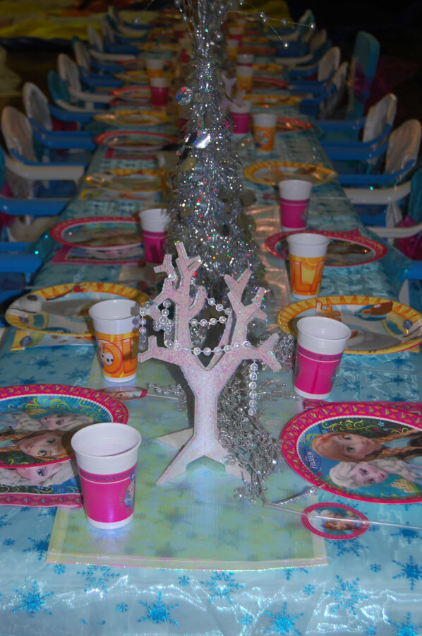 Create a magical Frozen setting with our Frozen table setting. & Frozen Table Setting - Wish Upon a Party
