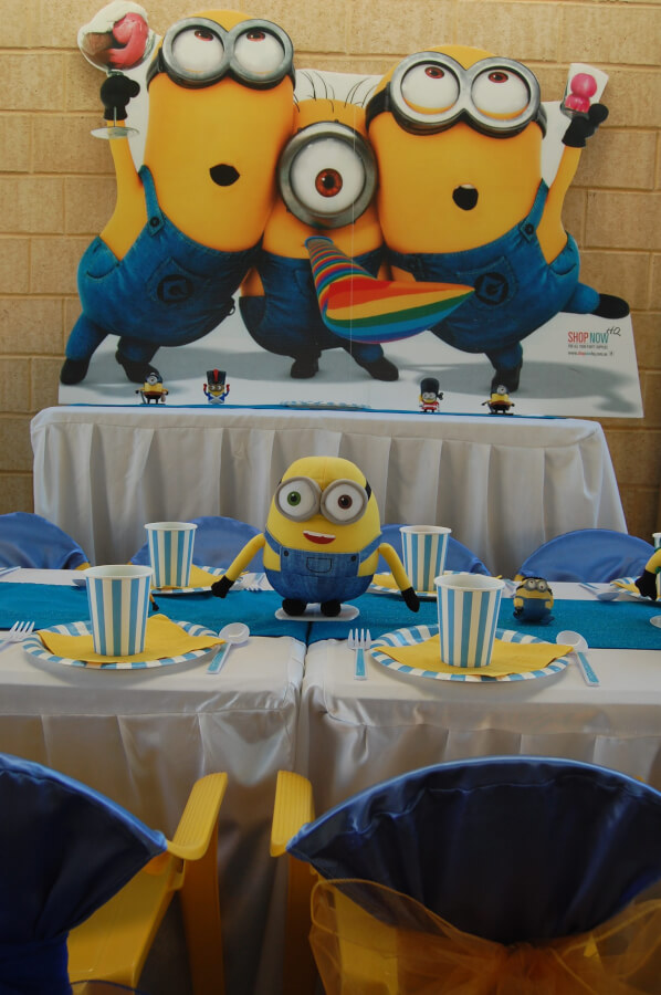 Minion Table Setting Wish Upon A Party